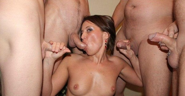 Похотливые шлюшки обслуживают нескольких мужиков одновременно