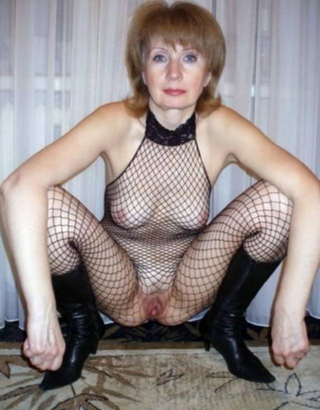 Любительницы показывают громадные дыни и мокрые вагины