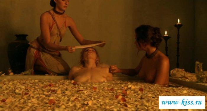 Обнаженные буфера в ванной сексапильной Вивы Бьянки (41 фото)